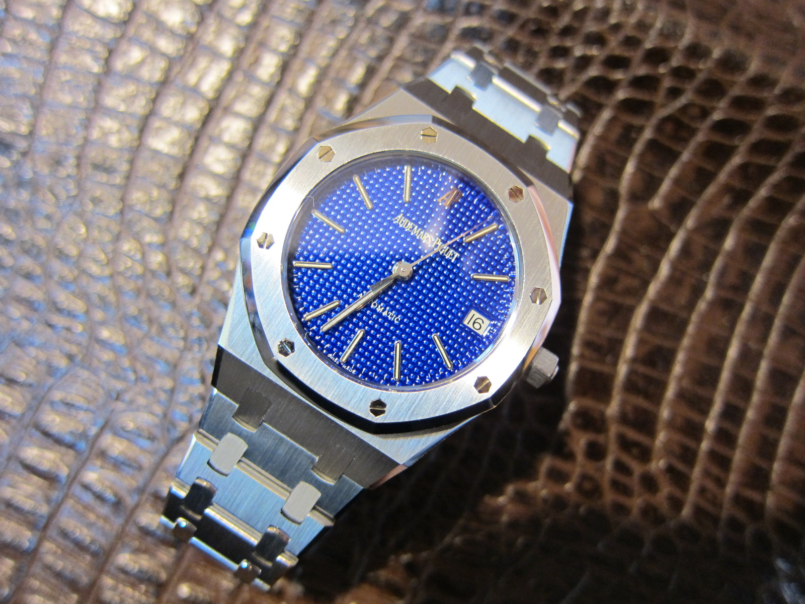 the fabulous Yves Klein Blue 14790 in steel